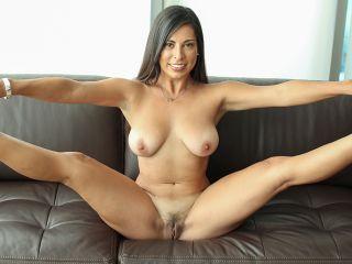 Sofia Rivera Girl Worships Cock